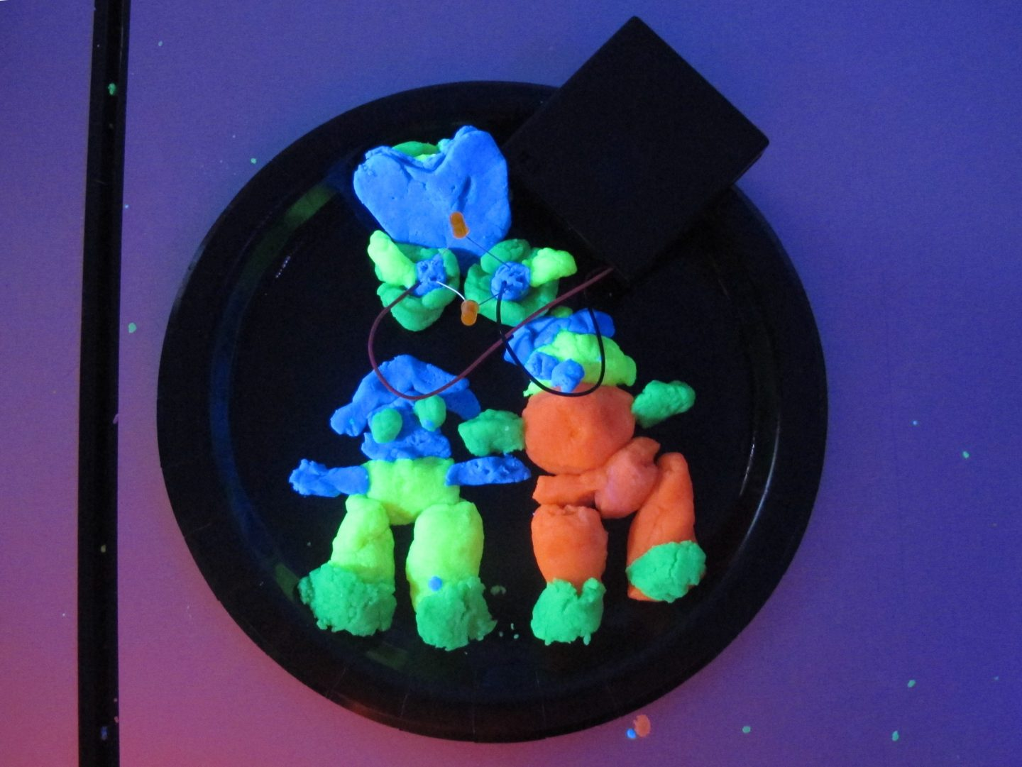 Squishy circuits workshop with LED lights