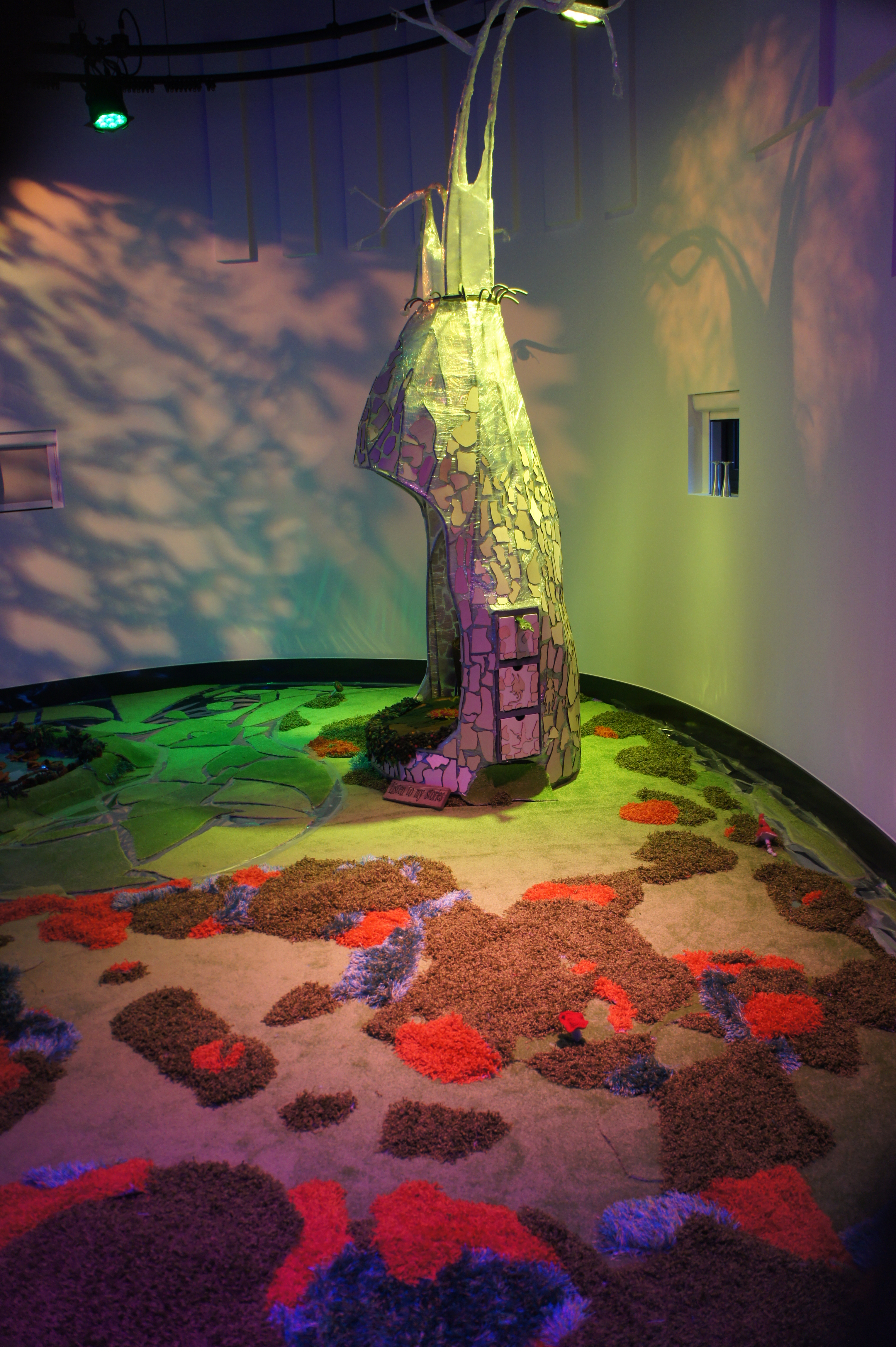 The magic of materials in children's theatre design